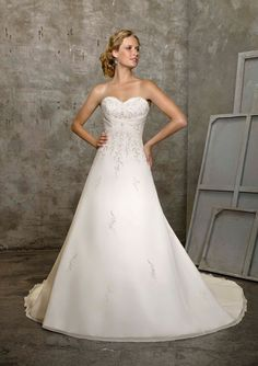 Mori Lee 2105 Wedding Gown, White Size 26, $799
