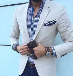 urban style // city style // urban men // city boys // watches // mens fashion // menswear // modern gadgets // mens accessories // mens suit // cool style //
