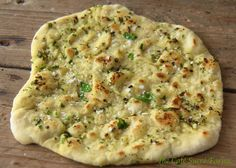 Herbed Naan - 5 minute dough and keeps in fridge for 4 days. Fabulous, authentic tasting naan, perfect for wraps and to accompany curries, stews, soups . Bread And Pastries, Chapati, Bread Baking, Korma, Food For Thought, Snacks, Indian Food Recipes, Love Food, Food To Make