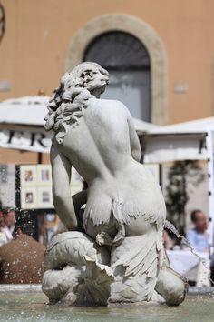 Stone Lady @ Piazza Navona - City Square in Rome, Italy #monogramsvacation