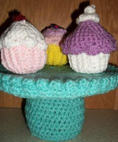 Cupcakes with cake stand