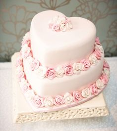 heart cake..this needs to be in my kitchen.I have a small version..of pink fake pastries Pink Roses, Idea, Heart Shaped Wedding Cakes, Pink Cakes, Pink Heart, Anniversary Cakes, Sweet Pink, Heart Wedding Cake, Heart Cakes