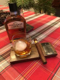 Handcrafted Whiskey Barrel Cigar and Rocks Glass Holder / Tray - Includes 9 Ounce Rocks Glass Used Whiskey Barrels, Cigars And Whiskey, Whiskey Bottle, Scotch Whiskey, Tequila, Beer Tasting Glasses, Whiskey Distillery, Barrel Projects, Cigar Art