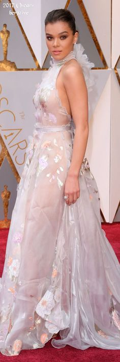Hailee Steinfeld, wearing Ralph Russo - 9th Annual Academy Awards.