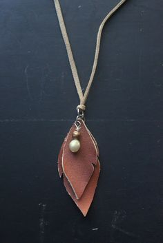 eat.sleep.MAKE.: CRAFT: Leather Leaves Necklace