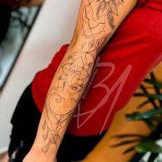 Tatuadores para você agendar sua tatuagem (2021)! - Blog Tattoo2me Tattoos, Blog, Shoulder Tattoo, Tattoo Small, Delicate Tattoo, Male Tattoo, Tattoo Ideas, Tatuajes, Tattoo