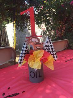 Disney cars centerpiece Disney Cars Birthday, Cars Birthday Parties, 4th Birthday, Birthday Ideas, Baby Shower Themes, Baby Boy Shower, Shower Ideas, Disney Homecoming, Car Centerpieces