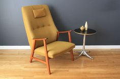Vintage Danish Modern Lounge Chair // via MIDCENTURY MODERN FINDS