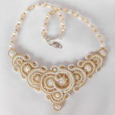 """Képtalálat a következőre: """"soutache jewelry"""" Soutache Necklace, Wire Wrapped Jewelry, Bracelets, Necklaces, Charmed, Jewels, Chain, Elegant, Gold"""
