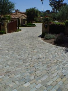 Cobblestone Gallery - Antique Reclaimed Old Granite Cobblestone, Antique Curb, Stone Driveway Pavers Cobbled Driveway, Driveway Pavers, Driveway Ideas, Outdoor Walkway, Front Walkway, Cobblestone Driveway, Paving Ideas, Wooden Walkways, Driveway Design