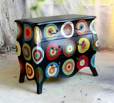 Sydney Barton - Painted Furniture: Penny Rug Design Bombe Chest