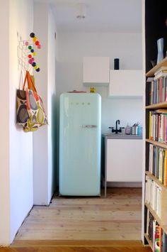 Kuchnia, lodówka miętowa Smeg, kolory/kitchen, smeg fridge, mint, colours, hang it all