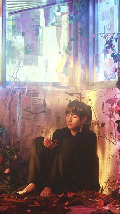 Taehyung in BTS Singularity Namjoon, Kim Taehyung, K Pop, Bts Lockscreen, Daegu, Foto Bts, Taemin, Bts Bangtan Boy, Bts Boys