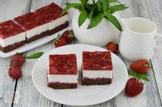 Tiramisu cu capsune - CAIETUL CU RETETE Dessert Cake Recipes, Tiramisu, Cheesecake, Deserts, Cooking Recipes, Candy, Cookies, Ethnic Recipes, Food