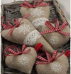 Читайте також також Осінні композиції з яблуками Як зробити об'ємну зірку з паперу Вишита ялинкова кулька. Майстер-класс Торбинки для подарунків власноруч! Схеми вишивки та майстер-клас … Read More