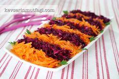 Havuçlu Mor Lahana Salatası - Malzemeler: 2 adet havuç, 1 küçük boy mor lahananın yarısı, 1/2 limonun suyu,
