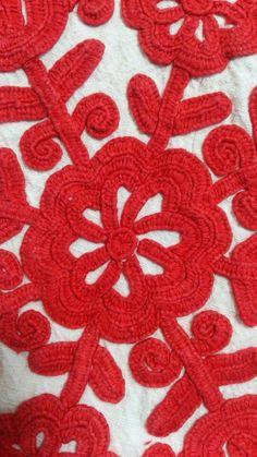 Europe - Romania/Țara Călatei (hung. Kalotaszeg) Medieval Embroidery, Hungarian Embroidery, Folk Embroidery, Learn Embroidery, Chain Stitch Embroidery, Embroidery Stitches, Embroidery Patterns, Stitch Head, Hand Work Design