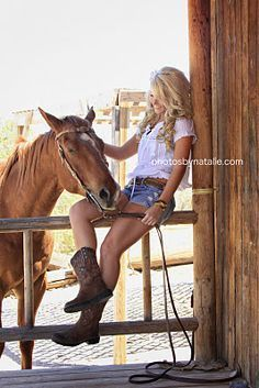 farm senior picture ideas | Girls Senior Picture Country Ideas | country girl..but with a cow or pig not a horse