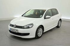 Used 2012 (12 reg) White Volkswagen Golf 1.6 TDi 105 BlueMotion 5dr - START / STOP - AIR CON - 74 MPG for sale on RAC Cars