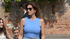 Cindy Crawford stepped out in Venice in a form-fitting sheath with a throwback feel.