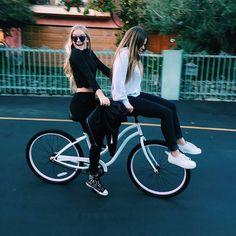 Go Best Friend, Best Friend Goals, Best Friends Forever, Best Friend Pictures, Friend Photos, Soul Friend, Girls Rules, Gal Pal, Girl Gang