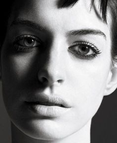 Anne Hathaway // by Mario Sorrenti Anne Hathaway, Mario Sorrenti, David Lachapelle, Terry Richardson, Meryl Streep, Nathalie Portman, Model Face, Face Forward, Headshot Photography