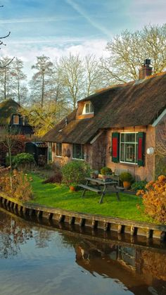 10 Most Beautiful Villages in Europe - Petra Schwarz - 10 Most Beautiful Villages in Europe Giethoorn, Netherlands - Beautiful Places To Travel, Beautiful World, Beautiful Homes, Beautiful Beautiful, Cozy Cottage, Cottage Homes, Cabins And Cottages, Beautiful Landscapes, Netherlands