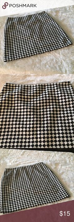 """CATO SKIRT-SIZE 16 CATO BLACK AND WHITE CHECKERED SKIRT-SIZE 16-WAIST IS ABOUT 18""""-LENGTH ABOUT 21""""-97% ACRYLIC-3% OTHER FIBER-LINING 100% POLYESTER Cato Skirts Mini"""