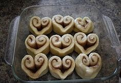 Heart Cinnamon Rolls. why have i never done this? Great for Valentines.