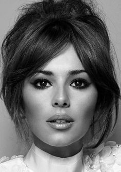 Cheryl Cole, make up and hair envy……… www.c… Cheryl Cole, make up and hair envy……… www. Long Fringe Hairstyles, Pretty Hairstyles, Hairstyle Ideas, Popular Hairstyles, Latest Hairstyles, Hair Styles 2016, Short Hair Styles, Long Hair Styles 2018, Hair Inspo