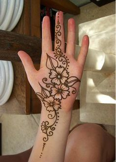 Mehndi is one of the important part during eid season. Here are the best picks of Eid mehndi designs to try in Henna Hand Designs, Mehandi Designs, Mehndi Designs For Kids, Mehndi Designs For Beginners, Arabic Mehndi Designs, Mehndi Patterns, Beautiful Henna Designs, Simple Mehndi Designs, Henna Tattoo Designs