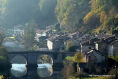 Image from http://idata.over-blog.com/3/00/23/43/Saint-Leonard-de-Noblat-87/P1100180.JPG.