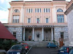 Nuova aula alla Gentilechi di Carrara...