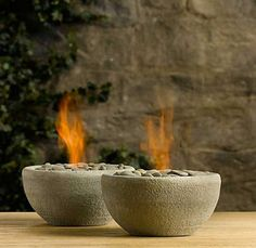 How to make a tabletop fire bowl! (good idea to roast marshmallows on the outside dining set.) How to make a tabletop fire bowl! (good idea to roast marshmallows on the outside dining set. Tabletop Fire Bowl, Garden Art, Home And Garden, Garden Design, Landscape Design, Garden Crafts, House Design, Winter Diy, Do It Yourself Furniture