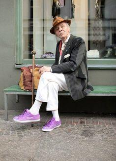He is style Fabulous Old Man Fashion Looks Old Man Fashion, Look Fashion, Mens Fashion, Fashion Outfits, Fashion Ideas, Mode Chic, Mode Style, Estilo Jackie Kennedy, Estilo Hippy