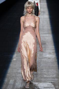 Alexander Wang Spring 2016 Ready-to-Wear Fashion Show - Harleth Kuusik