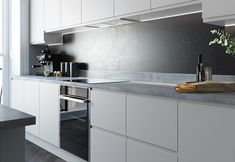 Modern Luxury Kitchens For A Grand Kitchen Grey Gloss Kitchen, Modern Grey Kitchen, Light Grey Kitchens, Modern Kitchen Cabinets, Kitchen Worktop, Kitchen Tops, Kitchen Flooring, Kitchen Contemporary, Oak Cabinets