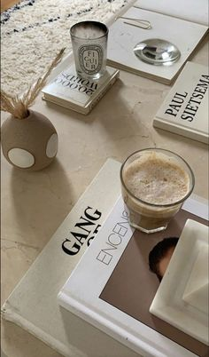 Cream Aesthetic, Aesthetic Coffee, Brown Aesthetic, Aesthetic Rooms, Aesthetic Photo, Aesthetic Pictures, Coffee Table Books, Home And Deco, My Room