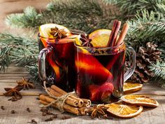If you fancy a cheeky drink this Christmas time, why not try and rustle up some mulled wine? It'll keep you lovely and warm on your sofa as you relax this Christmas, as well as filling your house with festive aromas. Holiday Sangria, Holiday Drinks, Gourmet Recipes, Healthy Recipes, Mulled Wine, Food Print, Great Recipes, Brunch, Pumpkin
