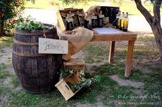 Real Weddings, Texture, Wood, Crafts, Party Wedding, Up, Fashion, Mariage, Wine