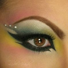 Dulce& Exotic Arabic Look is our Exotic Look of the Day. Watch her video tutorial to get this hypnotizing look. Stunning Makeup, Pretty Makeup, Love Makeup, Makeup Art, Beauty Makeup, Makeup Ideas, Makeup Tips, Exotic Makeup, Jewel Makeup