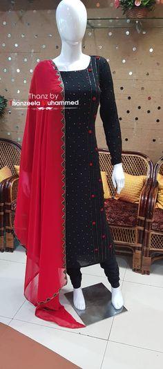 Saree Blouse Neck Designs, Kurta Neck Design, Stylish Dress Designs, Stylish Dresses, Salwar Pattern, Hand Embroidery Dress, Salwar Dress, Casual Outfits, Fashion Outfits