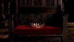 When a King or Queen dies their crown is placed on their throne and remains untouched for the entirety of the mourning period which is about a month. Grimm, Story Inspiration, Writing Inspiration, Character Inspiration, Character Ideas, Slytherin Pride, Slytherin Aesthetic, Slytherin House, Hogwarts Houses