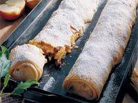 Vídeňský závin Desert Recipes, Hot Dog Buns, Sausage, Deserts, Health Fitness, Treats, Baking, Sweet, Ethnic Recipes