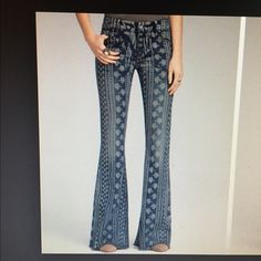 "Free People printed Bellbottom jeans  material is 71% cotton 28% polyester 1% spandex excellent condition inseam is 33"" Free People Jeans Flare & Wide Leg"