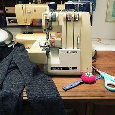 Late night sewing. #driftlesscardigan @singersewingcompanydriftlesscardiganlaviepapier
