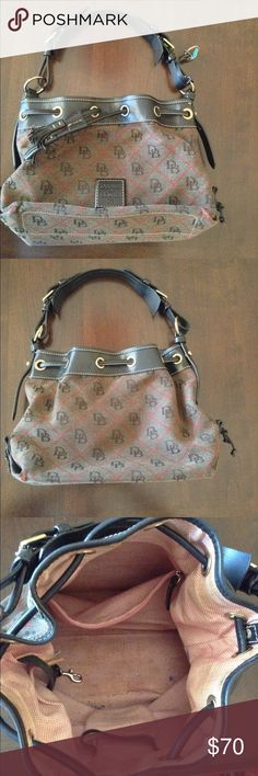 ❤️Dooney & Bourke Hobo Purse❤️ Excellent condition! Minor stains that can be removed on the inside. (As pictured) no stains on the exterior. Brown with red accents. Dooney & Bourke Bags Hobos