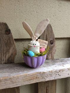 Primitive Spring Bunny  Vintage Jello-O Mold  by PrimitivesByCyn