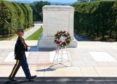 Washington DC in 4 days - Tomb of the unknown soldier in Arlington cemetary.