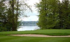 ¿Cómo cuidar de los campos de golf con productos naturales...? http://www.calidadnatural.com/mantenimiento-de-los-campos-de-golf/